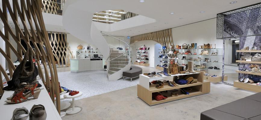 buy online bb240 b2ba5 Inspiration: Ladeneinrichtung Schuhe