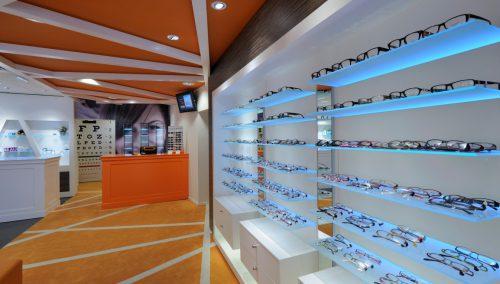 Entwurf und Ladenbau optik Tilroe