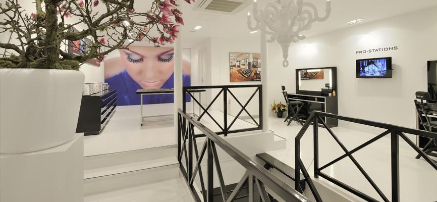 https://www.wsbladenbau.de/wp-content/uploads/2013/06/3-wsb-Interieurbouw-cosmetica-wsb-Ladenbau-Kosmetik-wsb-shopconcepts-cosmetics.jpg