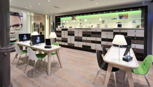 Van der Leeuw Optik | Delft (NL): Entwurf und Ladeneinrichtung Optik mit Erfolg: