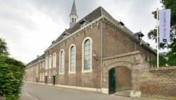 Intermedica Klinik – Design und Einrichtung alte Kloster: Pflege Klinik