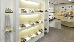 Ladenbau Fashion: Munnichs Schuh Konzept Weert
