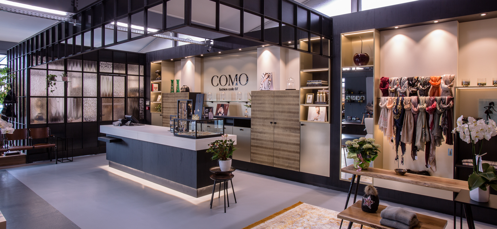 Como Fashion Code 07   Einrichtung für einen Damenmodegeschäft