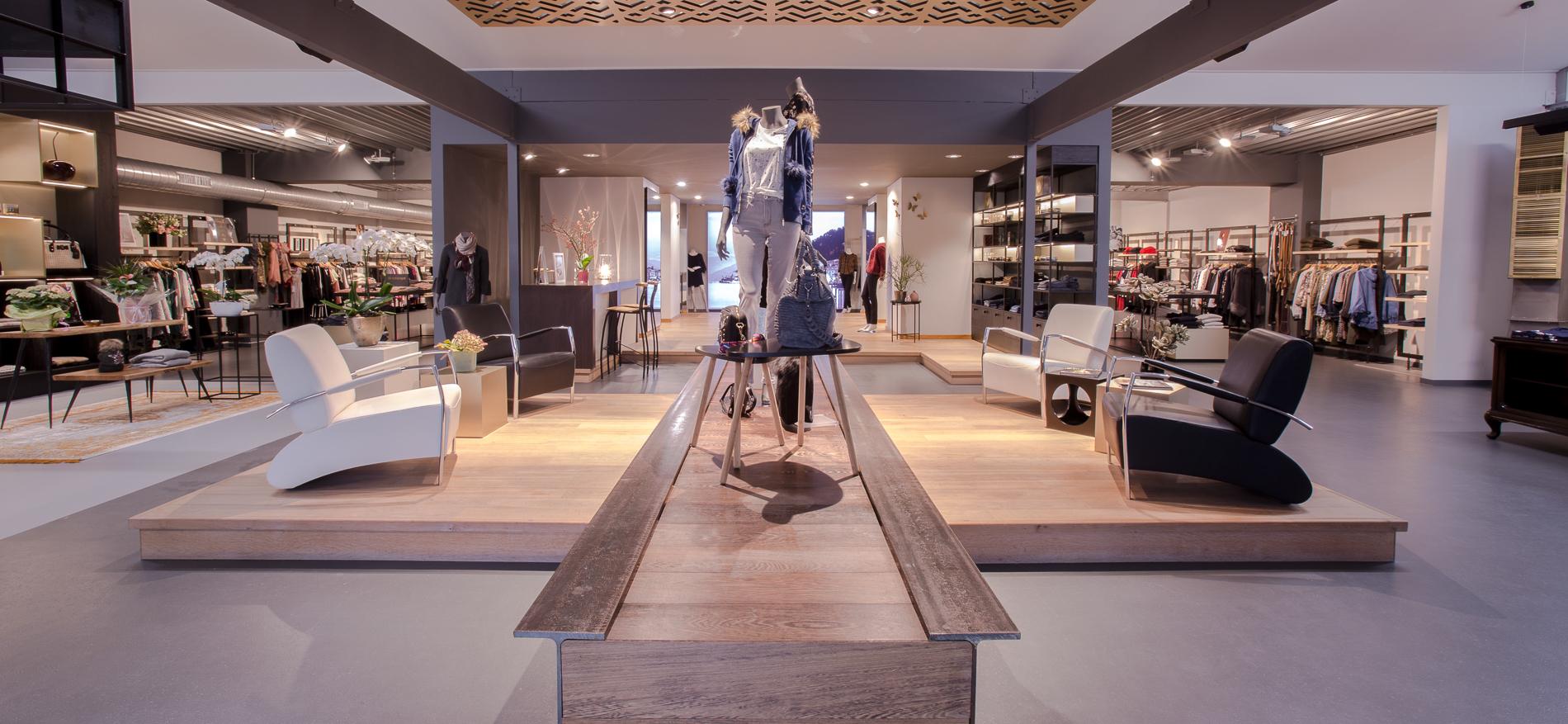 https://www.wsbladenbau.de/wp-content/uploads/2017/10/Como-Fashion-interieur-kledingwinkel-door-WSB-Winkelinrichting-rick-blankenstijn-rick-schreuder-QV1C5653.jpg