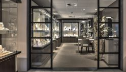 Broekhuis Schmuck & Uhren | Einrichtung grosse Schmuckladen
